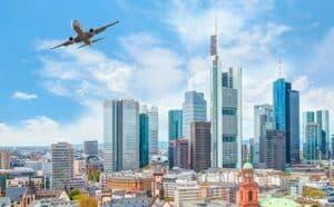 Schwerlasttransporte am Frankfurter Flughafen